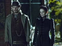 Josh Hartnett as Ethan Chandler and Eva Green as Vanessa Ives at the London Zoo at night, just before the encounter with the wolves