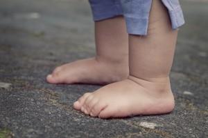 feet-619399_1280-1024x682