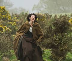 outlander claire running to rocks