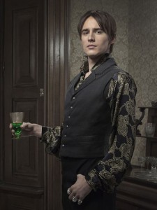 reeve-carney-as-dorian-gray-in-penny-dreadful-season-2-gallery-photo-courtesy-of-showtime