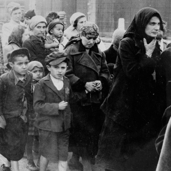 Using Photographs to Teach about The Holocaust